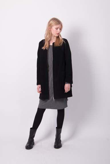 Image of   Wool darling Black
