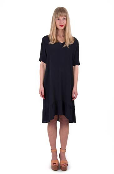 Image of   Calore dress Navy