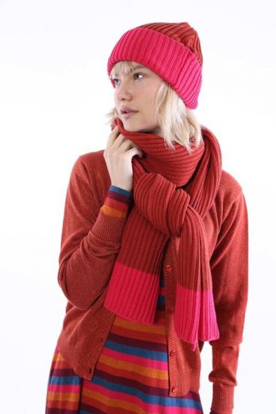 Hugger Scarf Rust Red/Love Pink