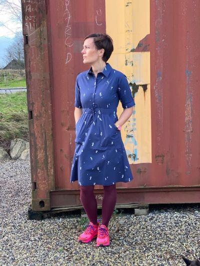 Susanne Dress Navy MARKBLOMST