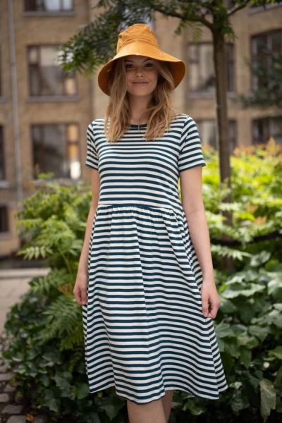 Nielsen Dress Dusty navy/chalk